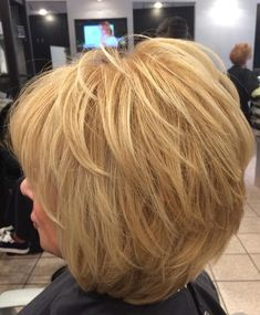 Unique Short Layered Haircuts for Women Ove. - Unique Short Layered Haircuts for Women Over 50 - Layered Haircuts For Women, Haircuts For Fine Hair, Short Hair Cuts For Women, Hairstyles Haircuts, Hairdos, Blonde Beauty, Hair Beauty, Medium Hair Styles, Short Hair Styles