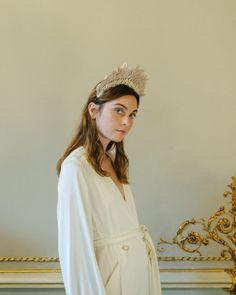 5678d926a Tocados y coronas creadas por las manos artesanas de mujeres que nos traen  auténticas obras de arte