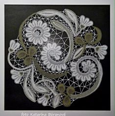 одноклассники Bobbin Lace Patterns, Weaving Patterns, Textile Patterns, Crochet Motif, Irish Crochet, Romanian Lace, Lace Art, Lacemaking, Point Lace