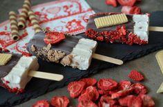 Ninas kleiner Food-Blog: Eis am Stiel: Erdbeeren, Vanille & Waffel