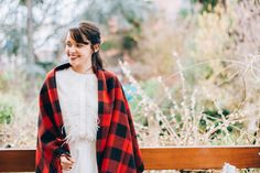Shooting Hivernal / Directrice Artistique : Marine (https://shesaidido.com/) / Photographe : Juli Etta (http://juliettaphotography.com/) / Créatrices : Mariana et Sophie de l'Atelier Swan (http://www.atelier-swan.com/) / Model : Jessica (http://dollyjessy.com/) #winterwedding #mariagedhiver #atelierswan