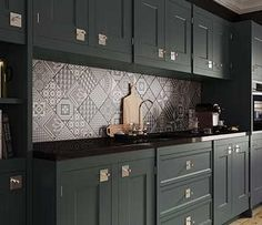Patchwork kitchen tiles and artistic backsplash ideas Kitchen Wall Tiles, Wall And Floor Tiles, Kitchen Backsplash, Kitchen Cabinets, Backsplash Ideas, Patterned Kitchen Tiles, Grey Tiles, Black Cabinets, Patchwork Kitchen