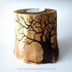 Very natural oak tealight holder with decorative pyrography. *Made by Derva Very natural oak tealight holder with decorative pyrography. Wood Burning Crafts, Wood Burning Patterns, Wood Burning Art, Wood Burn Designs, Wood Design, Wooden Projects, Wooden Crafts, Deco Cool, Creation Deco