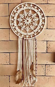 Crochet Dreamcatcher Pattern Free, Crochet Mandala Pattern, Crochet Circles, Crochet Doilies, Crochet Patterns, Dream Catcher Mandala, Lace Dream Catchers, Dream Catcher Decor, Crochet Mandela
