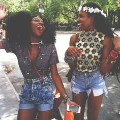 I want a natural bestie too. Lol :) This pic is too awesome