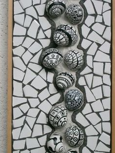 Schneckenhäuser und Steine