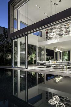 Galeria de Um Corte Concreto / Pitsou Kedem Architects - 57