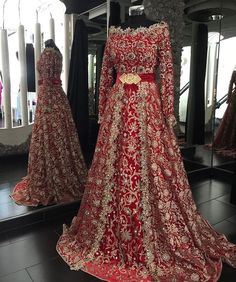 Crystal Beaded Moroccan Kaftan Champagne Lace and Red Hijab Muslim Evening Dress Long Sleeves Formal Evening Gown sleeves Pakistani Wedding Outfits, Pakistani Wedding Dresses, Bridal Outfits, Indian Dresses, Evening Dress Long, Evening Gowns, Look Short, Moroccan Dress, Indian Bridal Wear