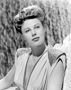 June Allyson, actriz de cine estadounidense.