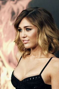 Miley Cyrus should go back to this hair
