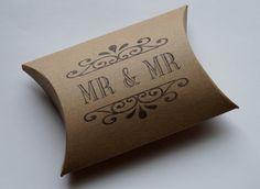 Mr. & Mr. Geschenkboxen für Gastgeschenke aus Kraftpapier | #Gleichgeschlechtliche #Hochzeit