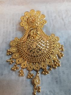 Manufacturer and exporter of gold, diamond and silver jewellery from India. Indian Jewelry Earrings, Gold Bridal Earrings, Silver Jewellery Indian, Gold Ring Indian, Bengali Jewellery, Indian Jewelry Sets, Pakistani Jewelry, Gold Choker, Ear Jewelry