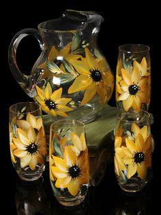 Sunflower Themed Kitchen, Sunflower Room, Sunflower Kitchen Decor, Long Stem Wine Glasses, Wine Decanter Set, Elegant Table Settings, Hand Painted Wine Glasses, Kitchen Themes, Glass Art