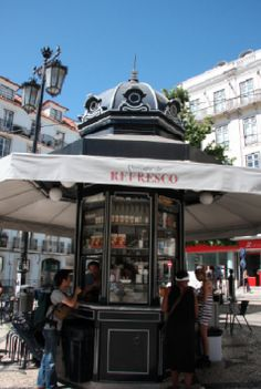 The delightfully restored Quiosques do Refresco (Refreshment Kiosks) #chiado…