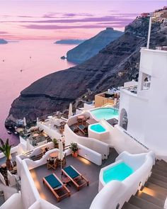What are the Best Hotels in Santorini? How to get to Santorini? Vacation Places, Vacation Destinations, Dream Vacations, Vacation Spots, Beautiful Places To Travel, Wonderful Places, Travel Aesthetic, Greece Travel, Travel Photography