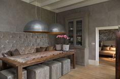 Duran Lighting & Interiors. Project woonhuis Laren. Eetkamer in kalkverf kleur Zinco. http://www.duran.nl