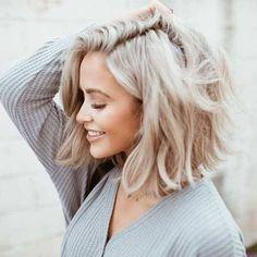 Ash Blonde Bob, Dark Blonde Hair Color, Blonde Beauty, Beige Blond, Medium Short Haircuts, Long Bob Hairstyles, Short Hairstyles For Women, Blonde Hairstyles, Modern Hairstyles