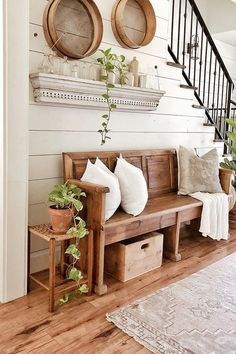 6 Knowing Clever Tips: Vintage Home Decor Victorian classic vintage home decor wall art.Vintage Home Decor Inspiration Ceilings vintage home decor bedroom window.Vintage Home Decor Chic Pillows. Flur Design, 3d Design, Sweet Home, Hallway Designs, Rustic Farmhouse Decor, Farmhouse Interior, Rustic Entryway, Entryway Decor, Farmhouse Ideas