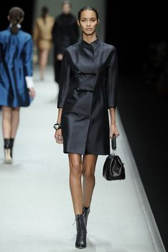 Sleek black - Shiatzy Chen Fall 2013