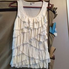 Halogen Ruffled Cream Colored Tank Size Medium. Check it out!  Size: M