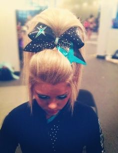 game hair If you are searching for hairstyles that can allow you to comfortable when Sporty Hairstyles, Weave Hairstyles, Cool Hairstyles, Cheer Hairstyles, Cheerleader Hairstyles, Herringbone Braid, Cute Cheerleaders, Sport Hair, Rope Braid