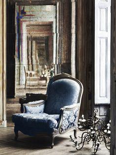 Google Image Result for http://www.blueillusion.com/Images/blogs/pilippe-model-blue-chair-lr-ds.jpg