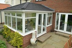 View stunning photos of completed Supalite conservatory roof replacements. Conservatory Ideas Cosy, Tiled Conservatory Roof, Edwardian Conservatory, Conservatory Kitchen, Conservatory Design, Garden Room Extensions, House Extensions, House Extension Design, House Design