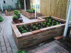 Rosen und Katzen Forum – General Garden Design – My Raised Bed Vegetable Garden … - Herb Garden Design, Vegetable Garden Design, Garden Pots, Vegetable Gardening, Garden Ideas, Vegetable Garden Planner, Vegetable Garden For Beginners, Garden Care, Raised Herb Garden