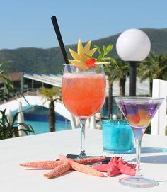 Nice aperitif at our Bar Bikini! #loano2village #visitriviera #break #aperitif #pools #sunnyday #summerinriviera  #Italy #holidays #Liguria #ligurianriviera