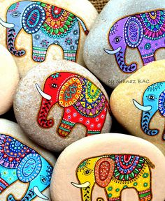 bunte indische elefante steine bemalen motive Cute activity idea paint your own lucky elephant rock for India party Pebble Painting, Dot Painting, Pebble Art, Stone Painting, Painting Tips, Abstract Paintings, Watercolor Painting, Painting Canvas, Stone Crafts