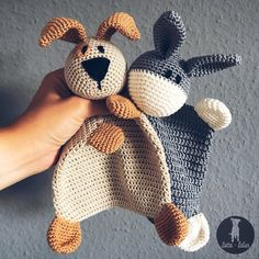Schnuffeltuch häkeln // Esel und Hund // PDF This instruction package consists of the crochet instructions for the donkey and dog Schnuffeltuch. The instructions for the Schnuffeltuch contains a detailed description with photos. Pdf Patterns, Amigurumi Patterns, Baby Patterns, Knitting Patterns, Crochet Patterns, Baby Snuggle Blanket, Baby Comforter, Crochet Instructions, Crochet Animals