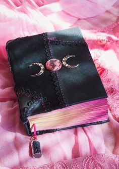 Grimoires, book of shadows, book of spells by Witchybooks Witch Aesthetic, Book Aesthetic, Journal Aesthetic, Magick, Witchcraft, Maquillage Phosphorescent, Witch Room, Grimoire Book, Crystal Aesthetic