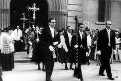 Inicio de la procesión de San Fermín. Puerta de la iglesia de San Lorenzo.