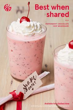 Making your holiday minty and bright. Peppermint Chocolate Chip Milkshake is back. Housesit around the world to pay your way to see the world and help people who don't want to leave their homes unattended. Snack Recipes, Dessert Recipes, Snacks, Yummy Treats, Yummy Food, Tasty, Chocolate Milkshake, Christmas Desserts, Baking Ingredients