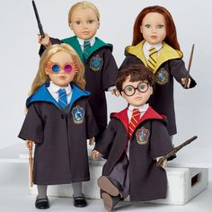 Harry Potter Doll Clothes are perfect for the little Harry Potter fans in your life. Sew them yourself or with helpers using Simplicity pattern Costume Patterns, Doll Clothes Patterns, Doll Patterns, Clothing Patterns, Pattern Ideas, Harry Potter Dolls, Simplicity Sewing Patterns, Girl Dolls, Cool Designs