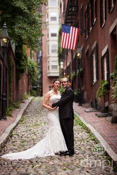 Julia & Scott: Mini wedding celebration -- American beautiful