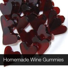 Wine Fruit Snacks -- Wine Gummy Hearts -- Not for kids! These are so awesome and just a few ingredients. wine, gelatin, stevia and/or maple syrup. Perfect for Girls Nights or Valentine's Day. Better than Jello Shots! Cooking For One, Cooking Wine, Cooking Ideas, Homemade Wine, Homemade Gifts, Diy Gifts, Xmas Gifts, Gum Recipe, Tapas