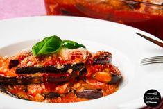 Parmigiana di Melanzane ODER Überbackene Aubergine mit Ricotta, Tomatensoße und Parmesan. Easy Peasy Rezept mit Videoanleitung.