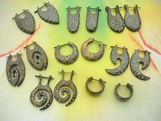 mixed tribal design peg earrings horn jewelry - http://www.wholesalesarong.com/blog/mixed-tribal-design-peg-earrings-horn-jewelry/