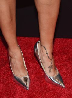"La La Anthony Photos Photos - TV/Radio personality La La Anthony, shoe detail, attends the ""Woman In Gold"" New York premiere at The Museum of Modern Art on March 30, 2015 in New York City. - 'Woman In Gold' New York Premiere"