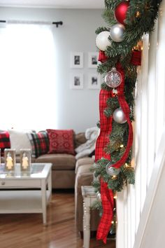 Welcome to my Holiday Home Tour! I'm sharing a pretty holiday home with loads of red and white, classic Christmas colours. I'm so happy to have you here. Christmas Tree Top Decorations, Real Christmas Tree, Country Christmas, Christmas Colors, Christmas And New Year, Christmas Home, Christmas Holidays, Christmas Wreaths, White Christmas