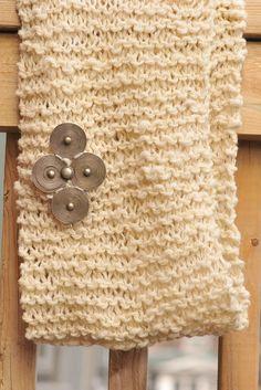 DIY Woolly Rustic Knit Infinity Scarf pattern, Kiku Corner 12  Love this design! @kikuinthecorner