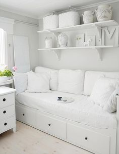 lookslikewhite - lookslikewhite Blog - All White Space Bench, Storage, Furniture, Home Decor, Homemade Home Decor, Home Furniture, Interior Design, Decoration Home, Home Interiors