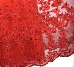 Robe rouge bustier en dentelle stras longue - JMRouge.fr