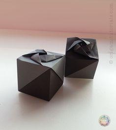 Origami-A-Small-Box-of-Roses-Ryo-Aoki