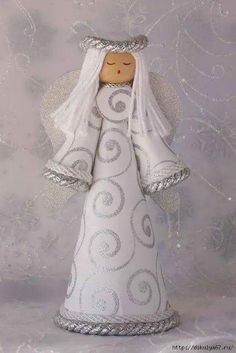 Pin by liza grobler on angels Diy Christmas Angel Tree Topper, Felt Christmas, Christmas Angels, Homemade Christmas, Christmas Decorations, Christmas Ornaments, Angel Crafts, Xmas Crafts, Christmas Projects