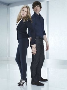 Piper Perabo and Christopher Gorham - Covert Affairs Annie Walker, Piper Perabo, Peter Gallagher, Covert Affairs, Gym Tops, Poses, Best Tv, Movies And Tv Shows, Actresses