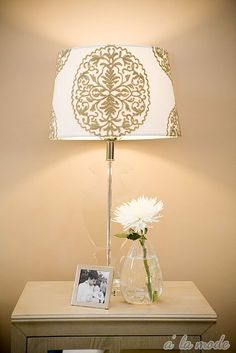 would be easy to recreate this lamp with a stencil