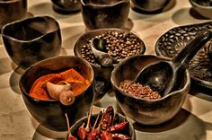 """Amors berauschende Lebensmittel"" #Cayennepfeffer #Basilikum #Granatapfel #Weintrauben #mythen #mythos #myth #amor  Bildquelle: www.pixabay.com"