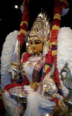 Durga Devi.... Durga Maa, Shiva Shakti, Hindu Deities, Hinduism, Shivaji Maharaj Hd Wallpaper, Ganapati Decoration, Lord Shiva Family, Om Namah Shivaya, Goddess Lakshmi